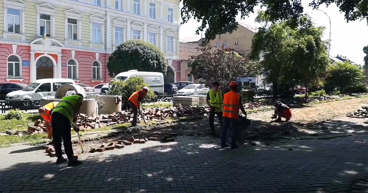 ремонт площі Петефі