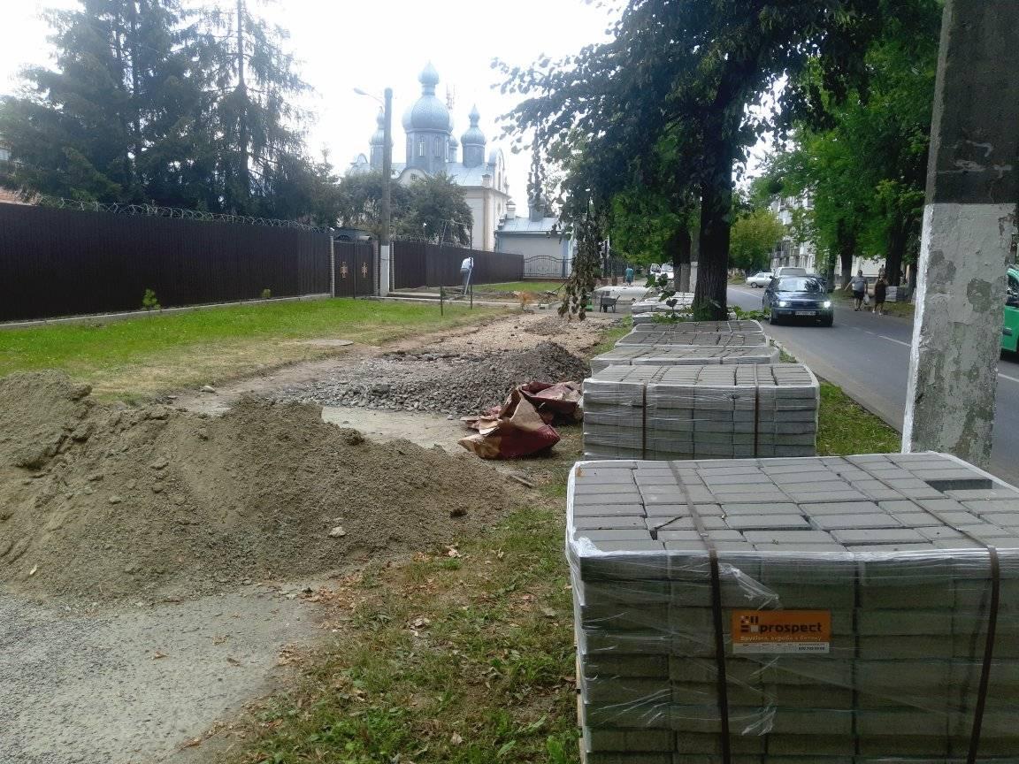 Брукування тротуарів