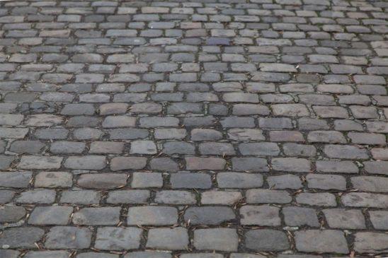 Read more about the article Львівська бруківка – чим і як мостили вулиці наші предки