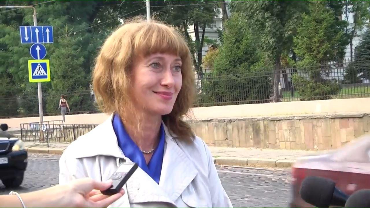 Оксана Єстеферова